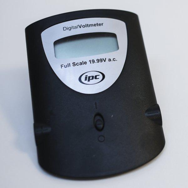 Digitales Schüler-Voltmeter, 20 V DC